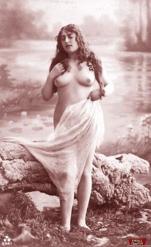 Very horny vintage naked french postcard - XXX Dessert - Picture 8