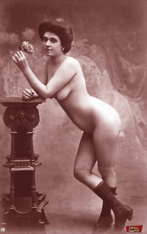 Very horny vintage naked french postcard - XXX Dessert - Picture 9