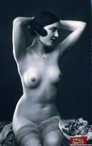 Some sexy and naked vintage chicks posin - XXX Dessert - Picture 2