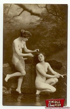 Vintage lesbian nude chicks enjoy posing - XXX Dessert - Picture 2