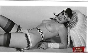 Vintage chicks wear dark black stockings - XXX Dessert - Picture 4