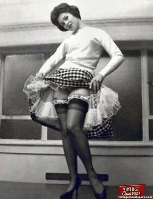Vintage chicks wear dark black stockings - XXX Dessert - Picture 8