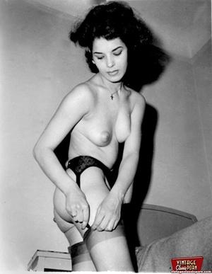 Vintage chicks wear dark black stockings - XXX Dessert - Picture 9