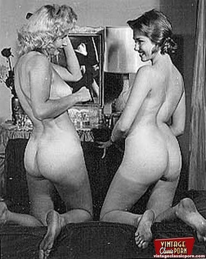 More than one vintage girl posing naked  - XXX Dessert - Picture 5