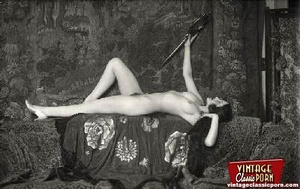 Beautiful sexy vintage women posing nude - XXX Dessert - Picture 8