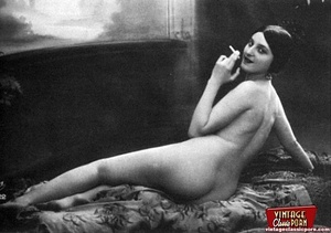 Some real pretty vintage topless naked g - XXX Dessert - Picture 5