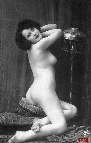 Some real pretty vintage topless naked g - XXX Dessert - Picture 8