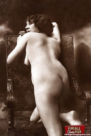 Some real pretty vintage topless naked g - XXX Dessert - Picture 11