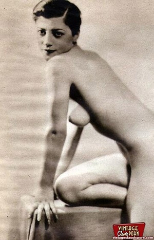 Pretty vintage naked models posing nude  - XXX Dessert - Picture 4
