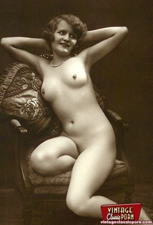 Pretty vintage naked models posing nude  - XXX Dessert - Picture 12