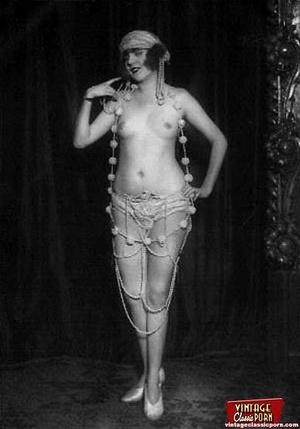 Daring vintage girls wear exotic costume - XXX Dessert - Picture 6