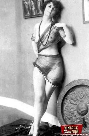 Daring vintage girls wear exotic costume - XXX Dessert - Picture 10