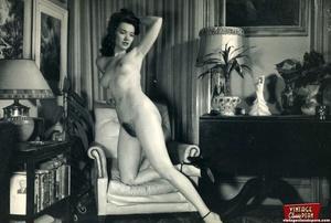 Real vintage naked amateur photographs f - XXX Dessert - Picture 2