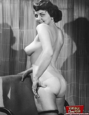 Real vintage naked amateur photographs f - XXX Dessert - Picture 3