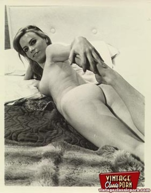 Real vintage naked amateur photographs f - XXX Dessert - Picture 4
