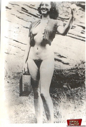 Real vintage and daring horny girls pose - XXX Dessert - Picture 11