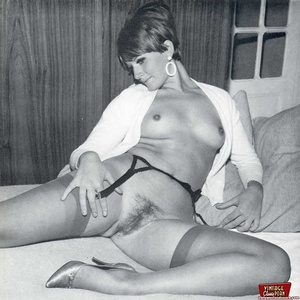 Some horny girls showing their vintage h - XXX Dessert - Picture 11
