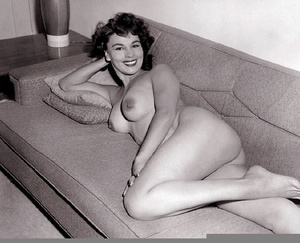 Real vintage naked amateur photographs f - XXX Dessert - Picture 5
