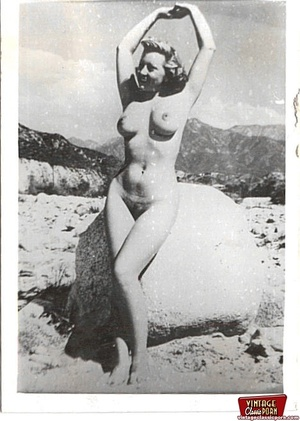Real vintage and daring horny girls pose - XXX Dessert - Picture 12