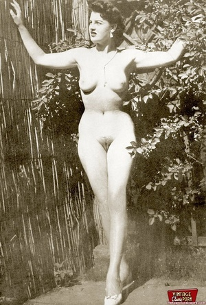 Some real vintage hairy outdoor girls po - XXX Dessert - Picture 2