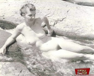 Some real vintage hairy outdoor girls po - XXX Dessert - Picture 7