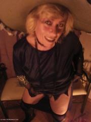 mature granny caro from