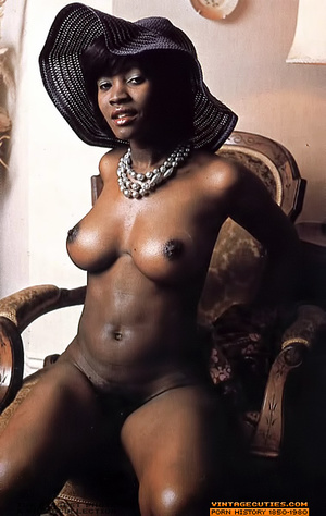 Amazing vintage ebony chick with perfect - XXX Dessert - Picture 1