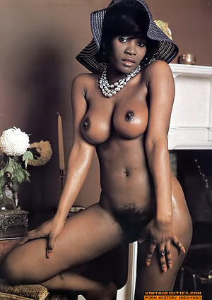 Amazing vintage ebony chick with perfect - XXX Dessert - Picture 2