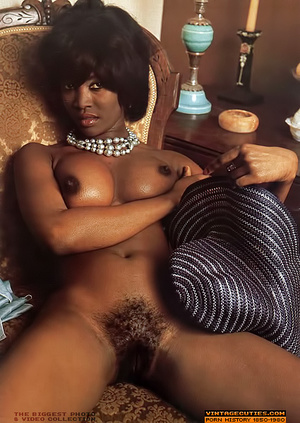 Amazing vintage ebony chick with perfect - XXX Dessert - Picture 3