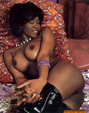 Amazing vintage ebony chick with perfect - XXX Dessert - Picture 4