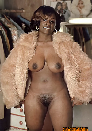 Amazing vintage ebony chick with perfect - XXX Dessert - Picture 5