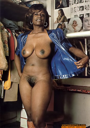 Amazing vintage ebony chick with perfect - XXX Dessert - Picture 6
