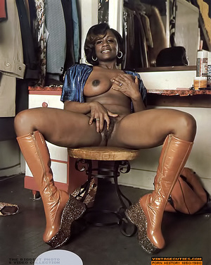 Amazing vintage ebony chick with perfect - XXX Dessert - Picture 7