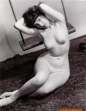Sexy looking retro nymphs know how to te - XXX Dessert - Picture 5