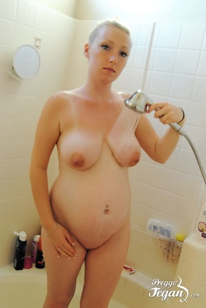Pregnant Tegan is washing in the shower - XXX Dessert - Picture 8