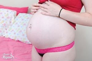 Hot pregnant Tegan is fingering herself - XXX Dessert - Picture 2