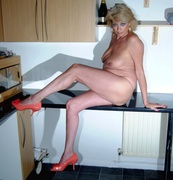 amateur, cougar, stockings, united kingdom