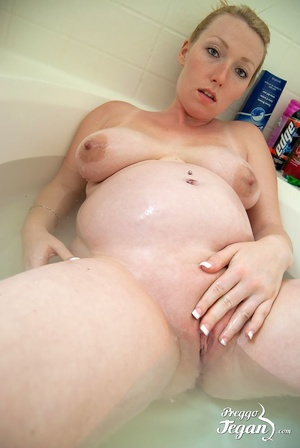 Pregnant Tegan washes in the bath - XXX Dessert - Picture 8