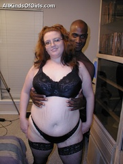 Plump redhead busty milf in sexy black stockings doesn't - Picture 5