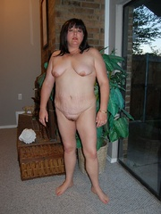 Round booty fat mom exposing her soft goods on a cam. - Picture 9