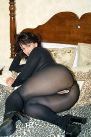 milf pantyhose reba from