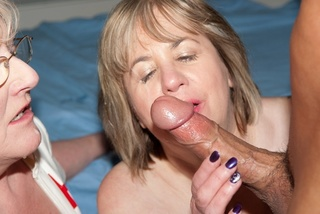 mature fingering claire knight