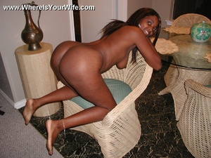 Check out hot ebony wife seductively sho - XXX Dessert - Picture 11