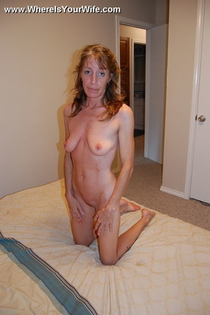 Skinny lusty granny Tracy likes to pose  - XXX Dessert - Picture 6