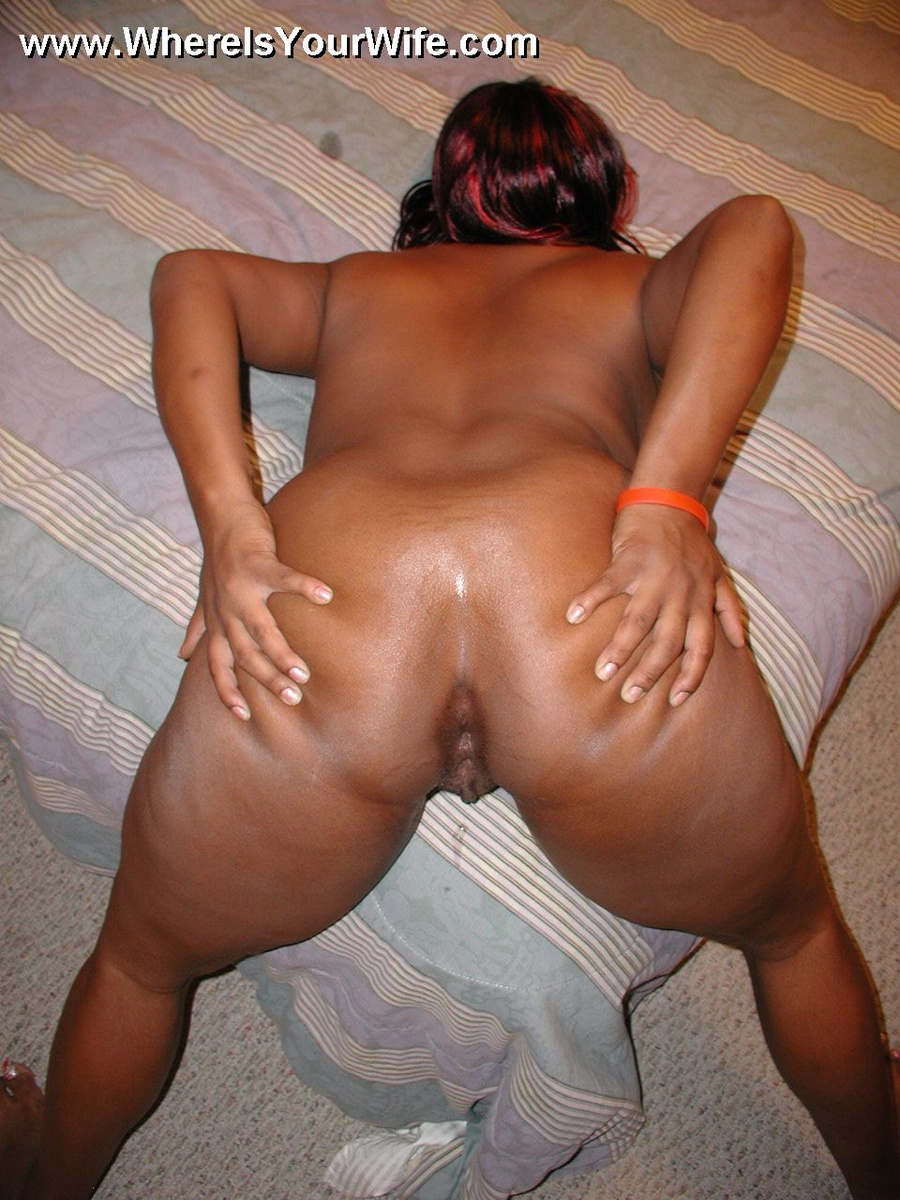 plump big boobed black spreading her ass ch - xxx dessert - picture 2