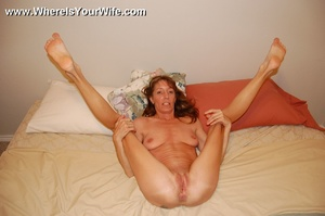 Skinny lusty granny Tracy likes to pose  - XXX Dessert - Picture 10