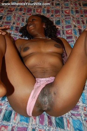 Little ebony housewife with awesome butt - XXX Dessert - Picture 4
