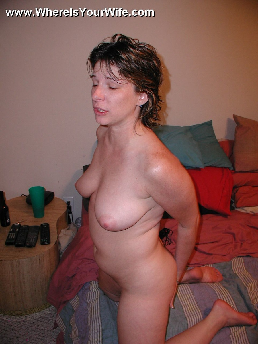 Naked real amateur wife