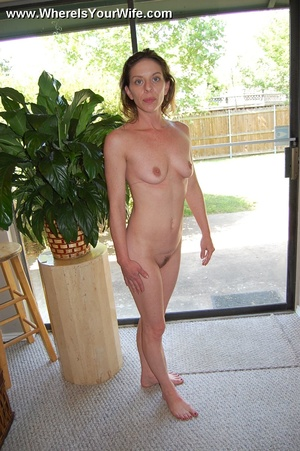 Slim cute housewife strips her bikini to - XXX Dessert - Picture 9