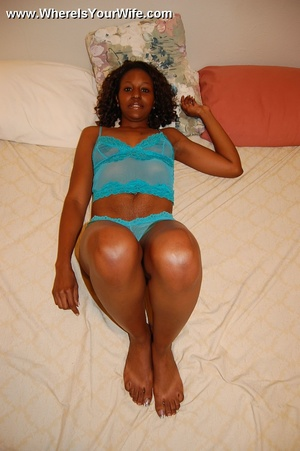 Little ebony housewife with awesome butt - XXX Dessert - Picture 7